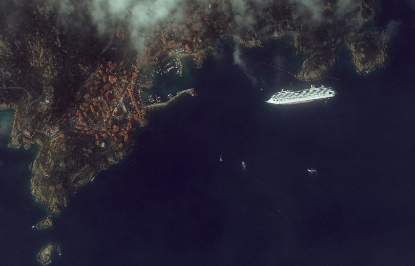 Costa Concordia satellite image