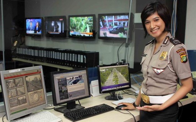 """Indonesia Continues """"Virginity Tests"""" for Female Police"""