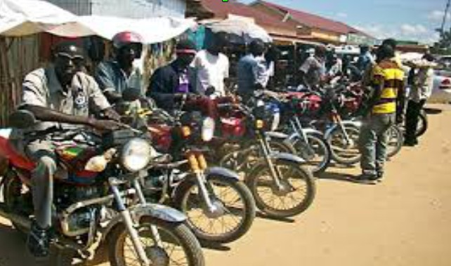 As motorbike riders protest the regulation of wearing helmets in Chad, ravaging the capital city N'djamena, and businessmen triple the price for helmets with strong resistance from the motorbike riders, it's a different story in Juba south Sudan