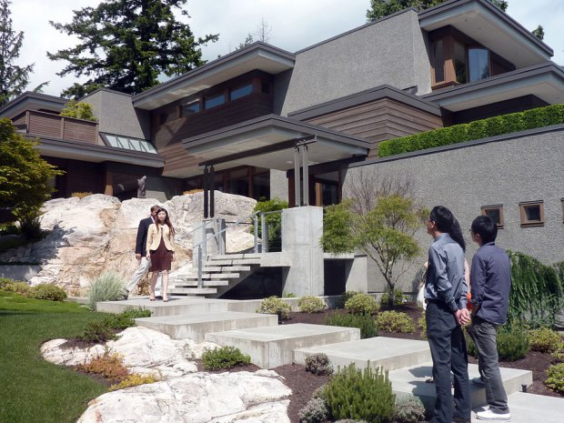 Vancouver's Mansion Owners In Poverty